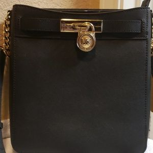 Michael Kors Hamilton Medium Leather Messenger Cro